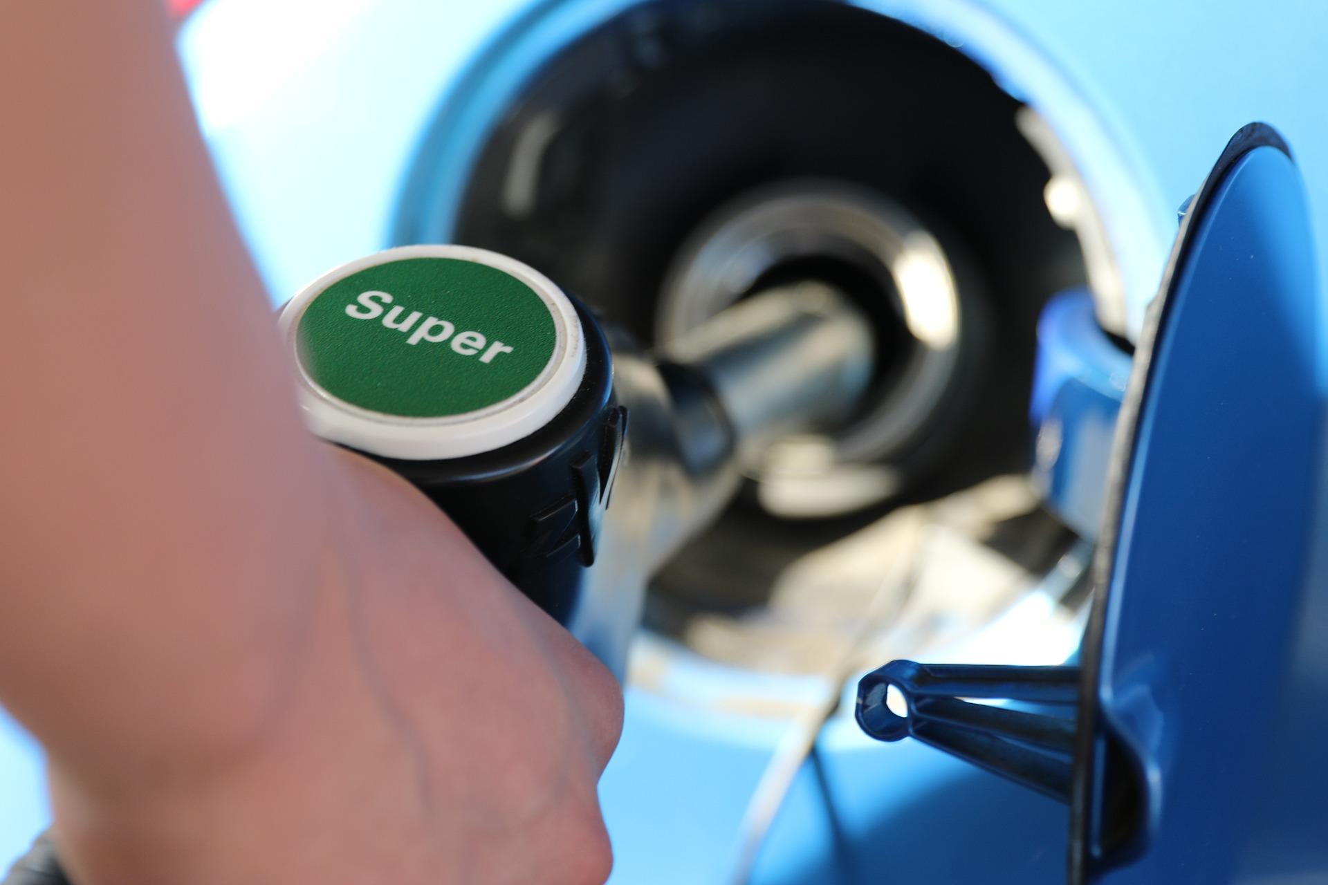 שמתי דלק לא נכון - ככה תשאבו את הדלק